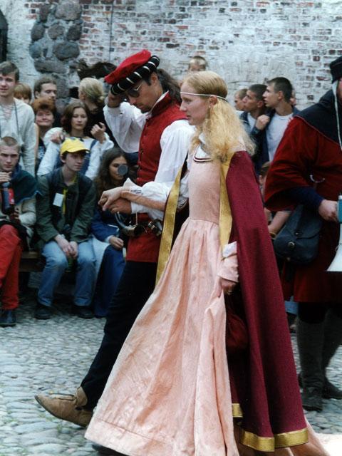 Фестиваль костюма в Выборге - фото 1
